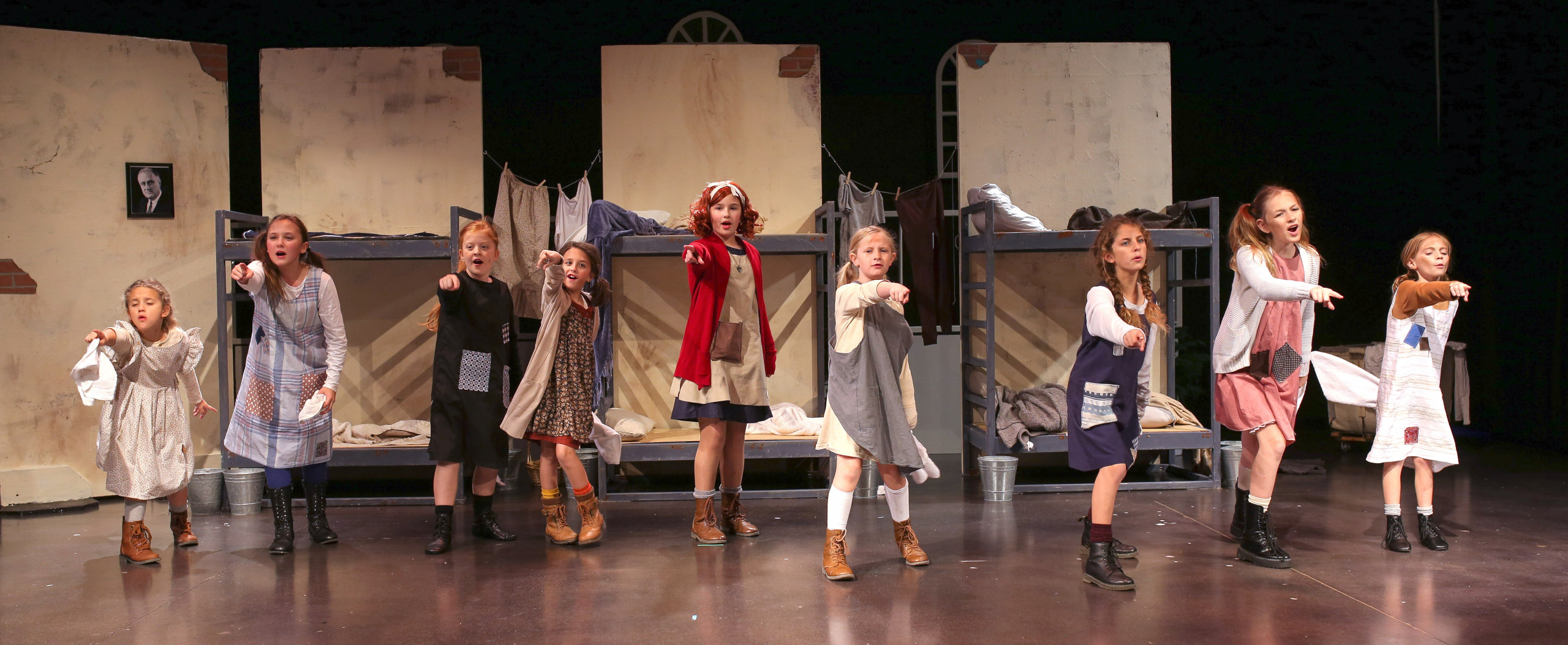 actresses play orphans in Annie the Musical